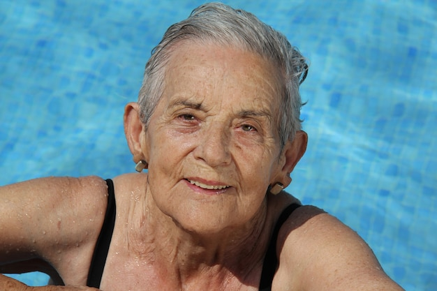 Senior woman spaß haben