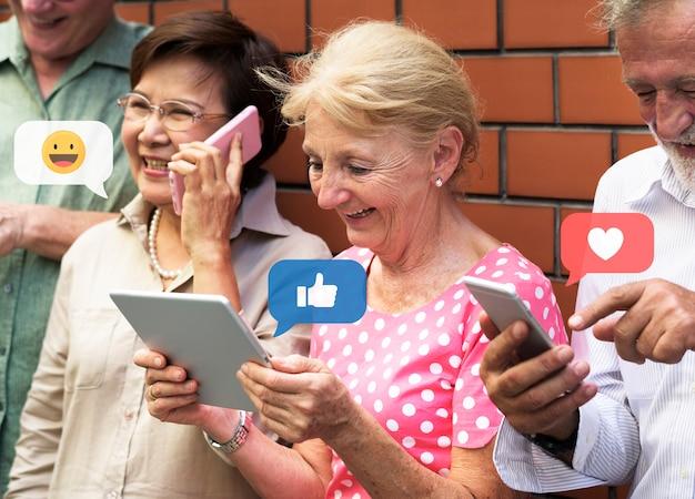 Senioren in den sozialen medien