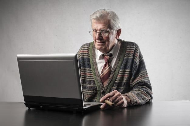 Senioren und technik