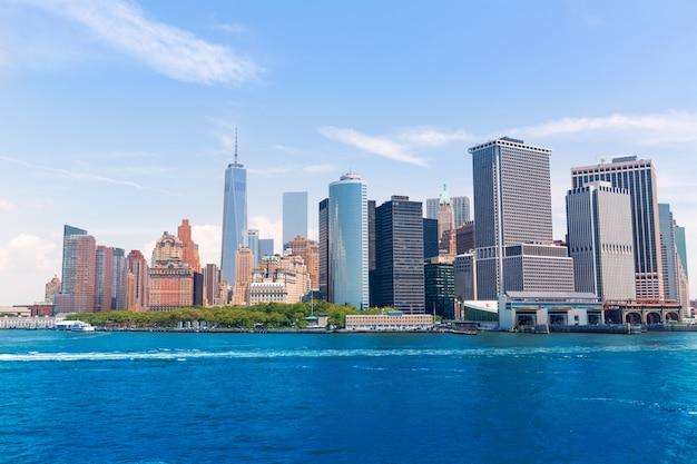 Senken sie manhattan-skyline new york vom schacht usa