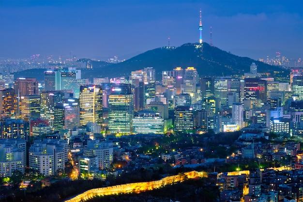 Seoul skyline in der nacht, südkorea.