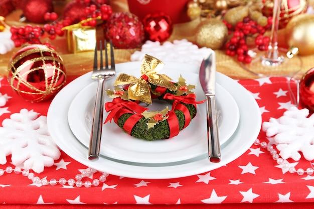 Servieren weihnachtstisch nahaufnahme