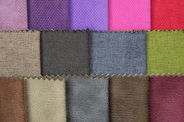 Set aus bunten stoffen für möbel