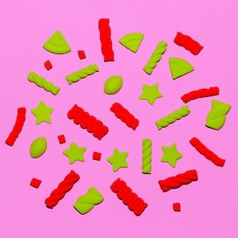 Set süßigkeiten. candy pink stimmung. marshmallows. minimale flatlay-kunst