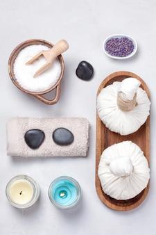 Set traditionelle spa-produkte. natürliche körperpflege