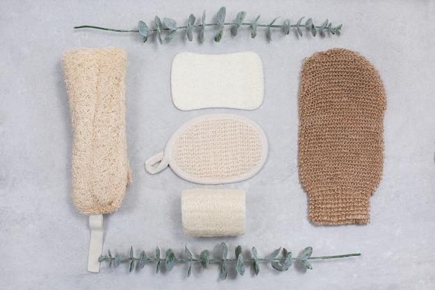 Set umweltfreundliche schwämme für die körperpflege