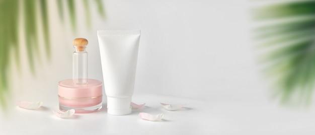 Set von kosmetischen produkten