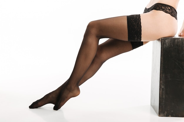 Sexy dame in eleganten schwarzen dessous