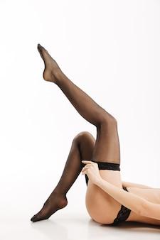 Sexy frau in eleganten schwarzen dessous