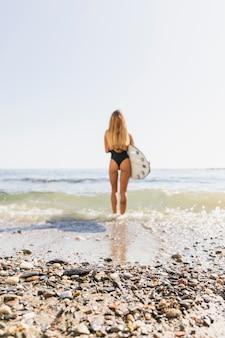 Sexy surfermädchen