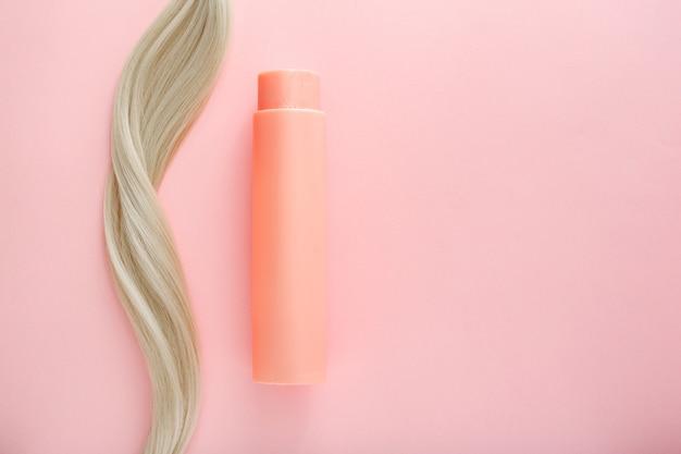 Shampoo für coloriertes haar mockup-flasche shampoo für blondes haar rosa flasche kosmetikprodukt
