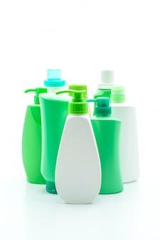 Shampoo oder haarspülung flasche auf weißem hintergrund