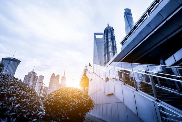 Shanghai financial district plaza und bürogebäude für urbane moderne architektur