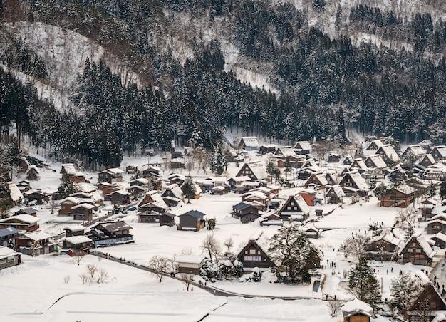 Shirakawa-go mit schneefall gifu chubu japan