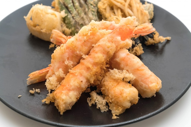 Shrimps tempura (angeschlagene gebratene garnelen)