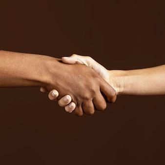 Sich gegenseitig helfen
