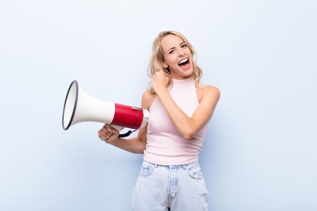 Sich glücklich, positiv und erfolgreich fühlen, motiviert, wenn man sich einer herausforderung stellt oder gute ergebnisse feiert