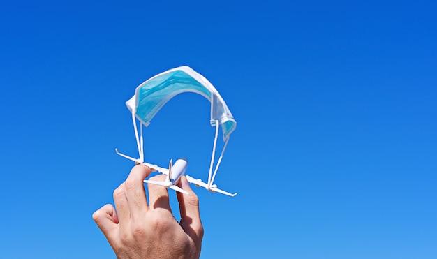 Sichere regeln in der flugzeugkabine. das flugverbot ist ausgesetzt