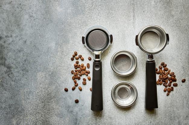 Siebträger für die zubereitung von espresso-kaffee in einer schurken-kaffeemaschine, draufsicht mit kopierraum