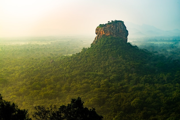Sigiriya lion rock mount sri lag dawn draufsicht
