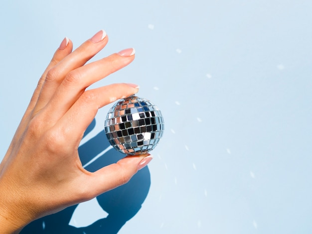 Silberne discokugel der nahaufnahme
