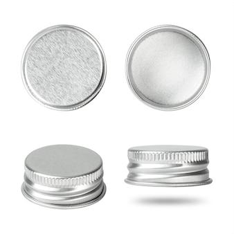 Silberne flaschenkapsel lokalisiert auf weißem hintergrund. gruppe des getränkedeckels für ihr design.