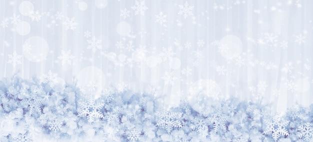 Silberne schneeflocken formen und glitzern auf kiefernblättern