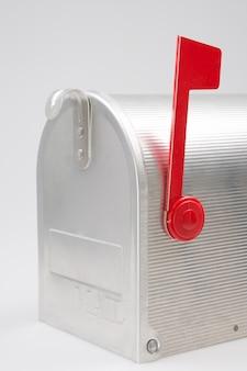 Silberner briefkasten
