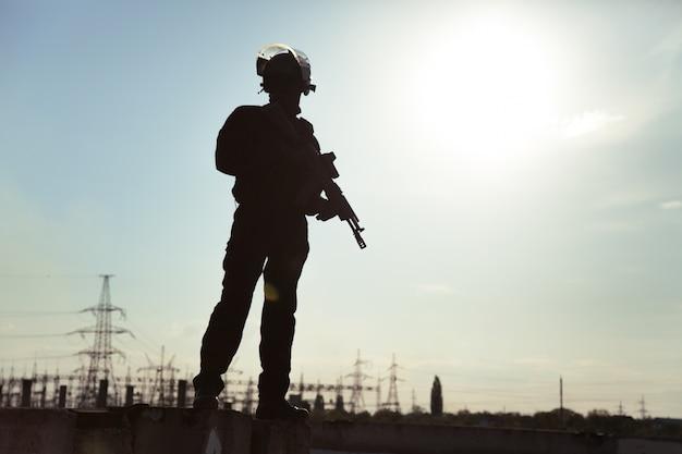 Silhouette des soldaten