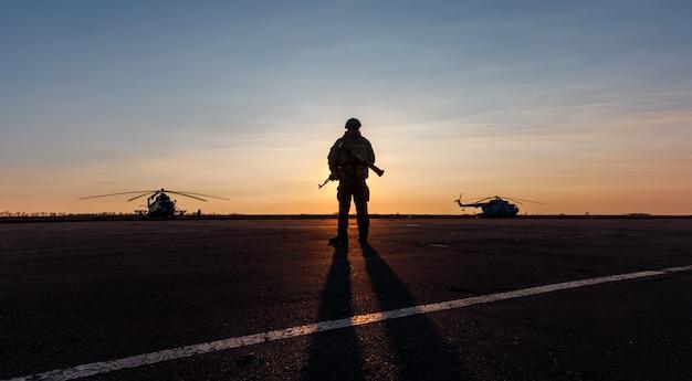 Silhouette eines militärs