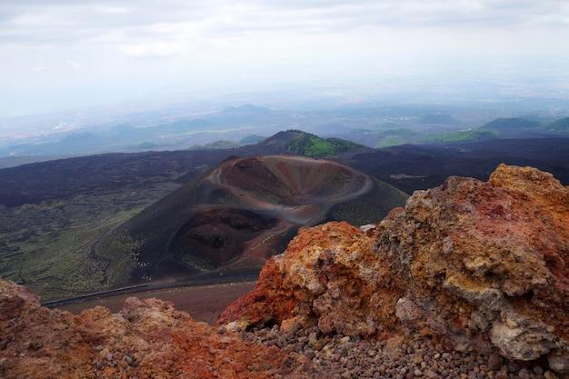 Silvestri krater an den hängen des ätna auf der insel sizilien, italien