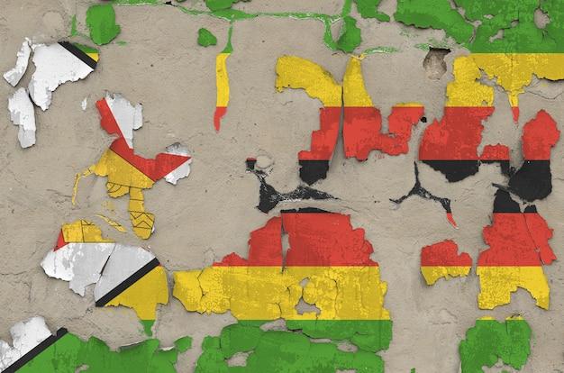 Simbabwe flagge dargestellt in farben auf alten veralteten unordentlichen betonwand nahaufnahme.