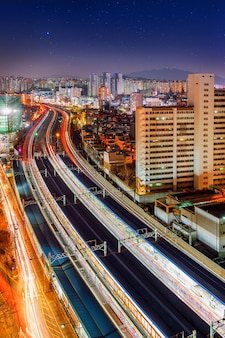 Singil district, seoul, südkorea skyline bei nacht.