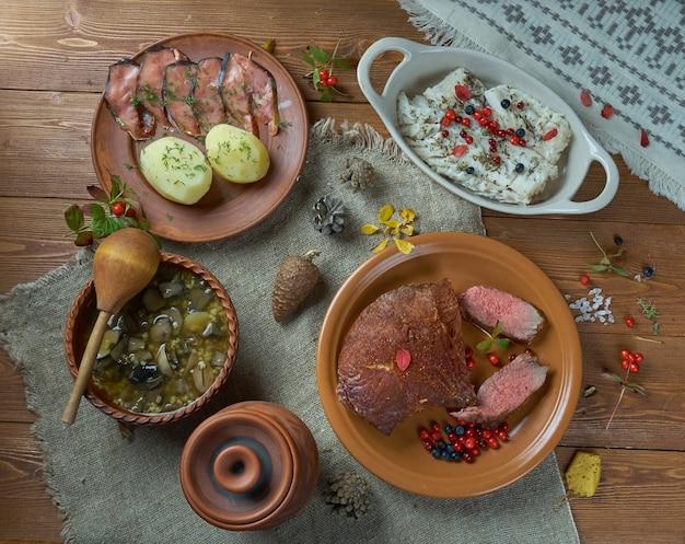 Skandinavische küche. traditionelle verschiedene skandinavische gerichte
