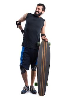 Skater mit rückenschmerzen