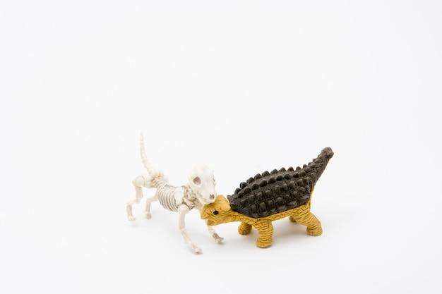 Skeletthund und ankylosaurus, freundschaftsbeziehung