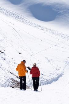 Skifahrer am matterhorn