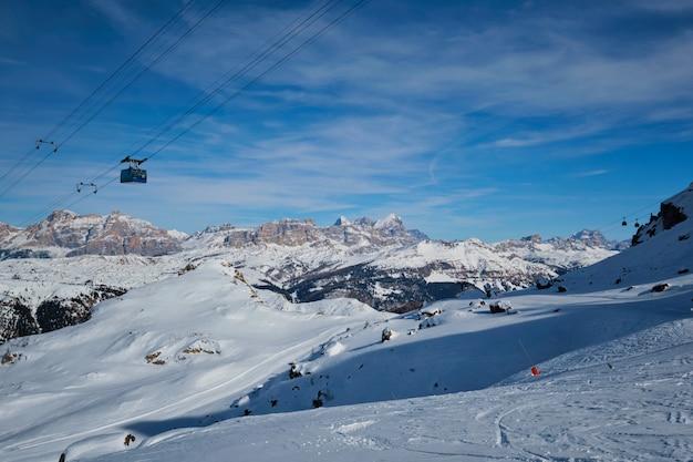 Skiort in den dolomiten, italien