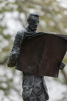 Skulptur von phillip ratner, freiheitsinsel, manhattan, new york city, bundesstaat new york, usa