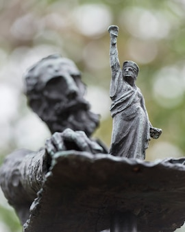 Skulpturen von phillip ratner, freiheitsinsel, manhattan, new york city, staat new york, usa
