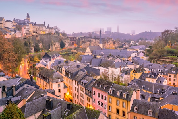 Skyline der altstadt von luxemburg-stadt von der draufsicht in luxemburg