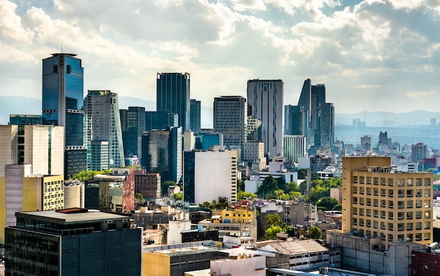 Skyline des geschäftsviertels in mexiko-stadt, der hauptstadt von mexiko
