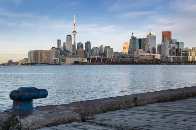 Skyline von toronto am morgen, quebec, kanada