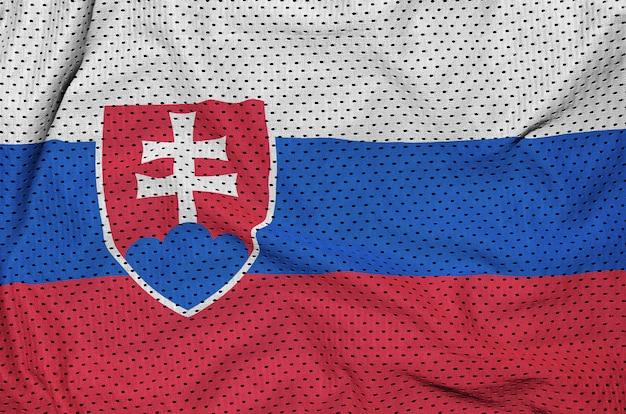 Slowakei-flagge auf sportbekleidung aus polyester-nylon gedruckt