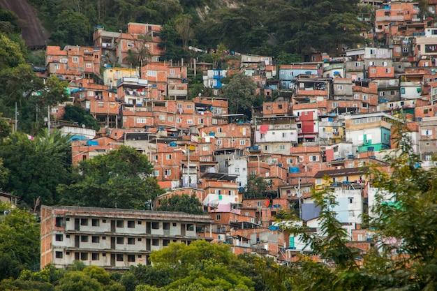 Slum von santa marta in rio de janeiro, brasilien.