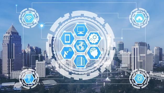 Smart city skyline mit symbolen für drahtlose kommunikationsnetzwerke. konzept des iot internet der dinge.