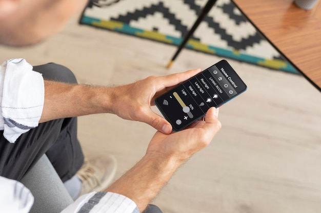 Smart-home-app auf einem telefon