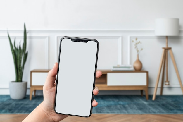 Smart-home-system mit leerem handy-bildschirm