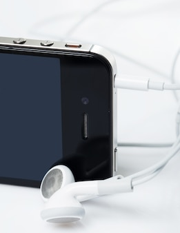 Smartphone mit kopfhörern