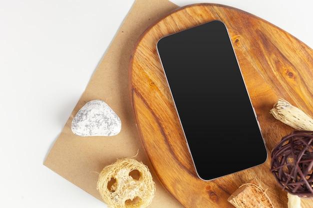 Smartphone mit leerem bildschirm